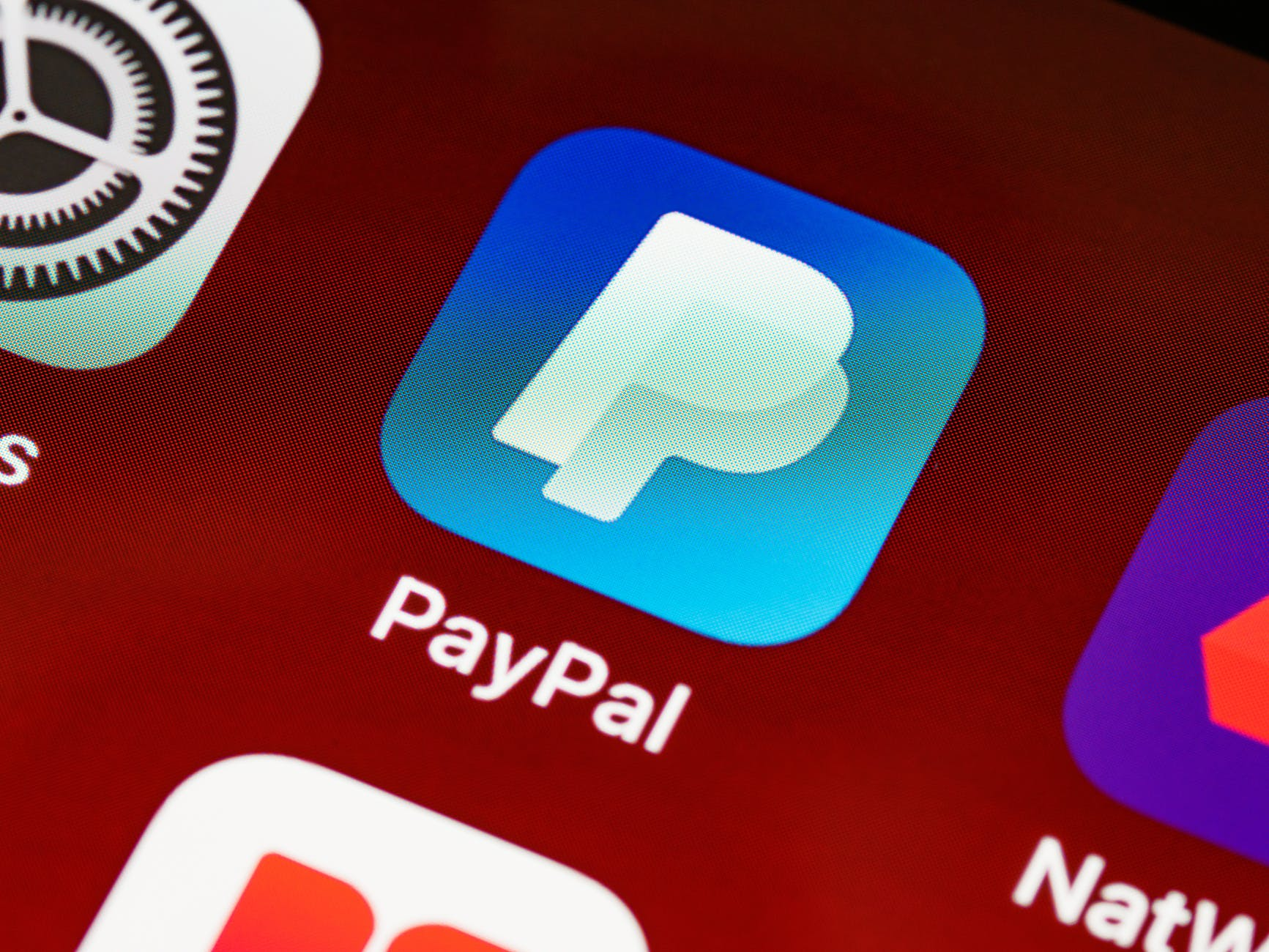 paypal-airbnb-rivolta