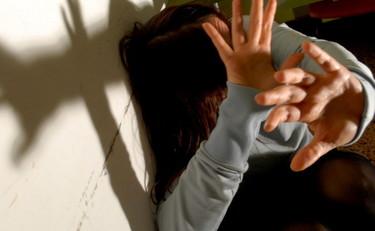 stupro-ragazza-padre